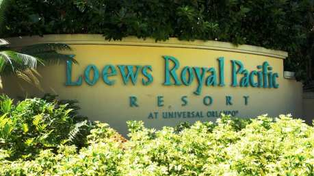 oi-loews-royal-pacific-resort-entrance-universal-orlando-928