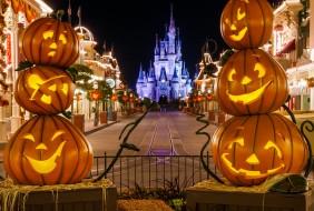 empty-main-street-castle-framed-by-pumpkins-M.jpg